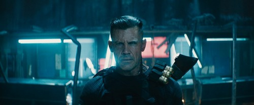 Deadpool (2016) fondo de pantalla titled Deadpool 2 promotional picture