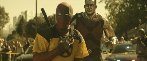 Deadpool (2016) fondo de pantalla entitled Deadpool 2 promotional picture
