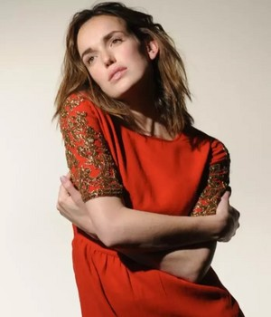 Elizabeth Henstridge ~ Various pictures