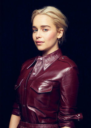 Emilia Clarke at Solo: A 星, つ星 Wars Story Variety Photoshoot