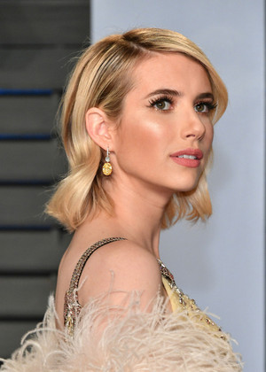 Emma Roberts attends the 2018 Vanity Fair Oscar Party hosted por Radhika Jones at the Wallis Annenber