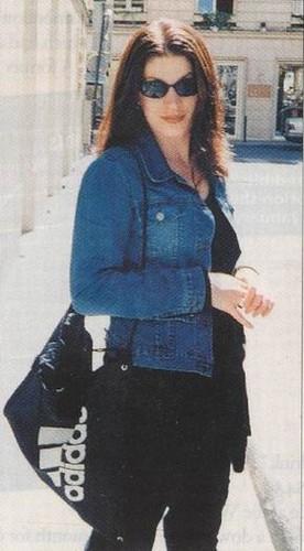 selebriti yang meninggal muda wallpaper called Jennifer Maria Syme (December 7, 1972 – April 2, 2001)