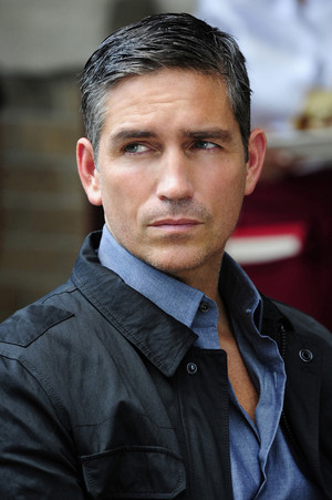 Jim Caviezel / PoI-1x03-Mission-Creep-Person-of-Interest