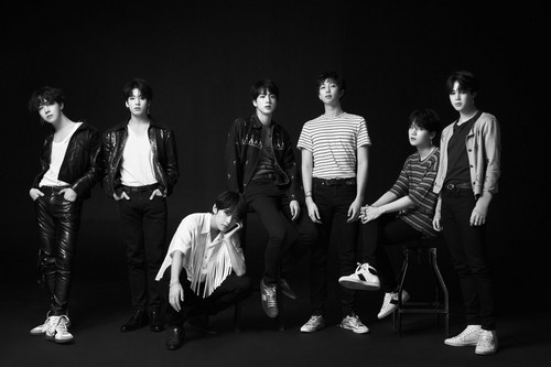 BTS Hintergrund called Liebe YOURSELF 'Tear' Concept Foto O version