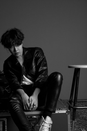 l'amour YOURSELF 'Tear' Concept photo O version