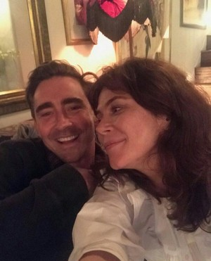 Lee Pace and Anna Friel reunion