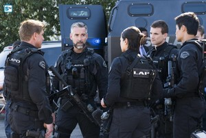 Lina Esco as Chris Alonso in SWAT - Blindspots