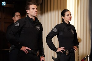 Lina Esco as Chris Alonso in SWAT - fuente