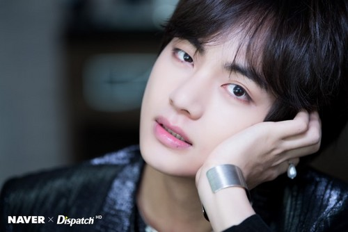 V (BTS ) hình nền entitled NAVER x DISPATCH at BBMAs