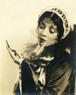 oliva Borden (July 14, 1906 – October 1, 1947)