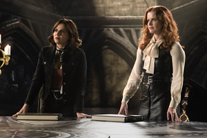 """Once Upon A Time """"Leaving Storybrooke"""" (7x22) promotional picture"""