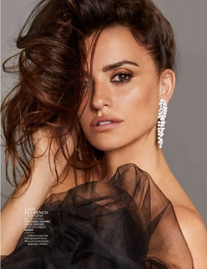 Penélope Cruz for Madame Figaro [May 2018]