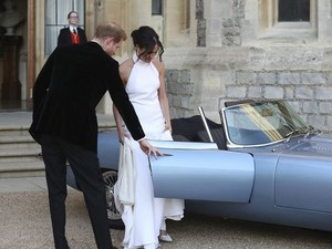 Prince Harry and Meghan heading to their reception