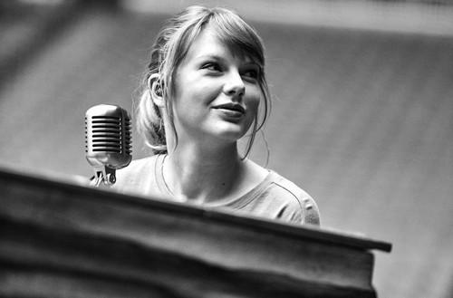Taylor schnell, schnell, swift Hintergrund called Reputation Stadium Tour BTS