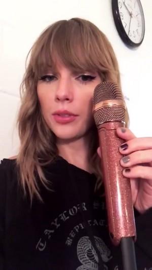 Taylor Swift🌺