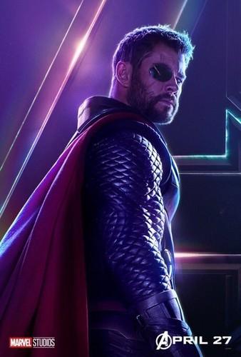 Avengers: Infinity War 1 & 2 Hintergrund entitled Thor - Avengers Infinity War character poster