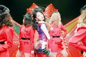 Yubin 'Lady' Behind The Scenes