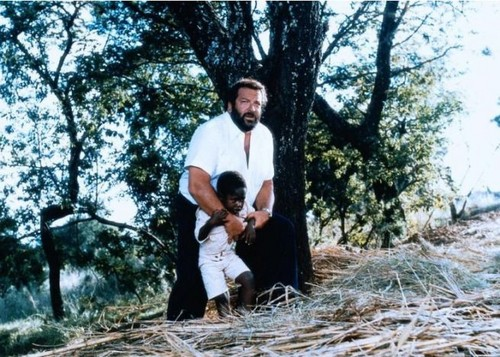 Bud Spencer karatasi la kupamba ukuta called http media.cineblog.it 6 6