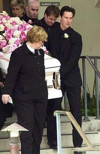 célébrités mortes jeunes fond d'écran entitled jennifer syme funeral