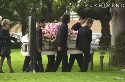 beroemdheden who died young achtergrond titled jennifer syme funeral