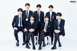 [2018 BTS FESTA] 2018 BTS Family Photograph (1/2)