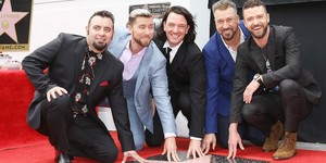 "*NSYNC Receiving their ngôi sao on ""The Hollywood Walk of Fame"""