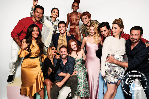 Riverdale 2017 Tv Series Images Madelaine Hd Wallpaper: Riverdale (2017 TV Series) Обои 'Riverdale' Cast