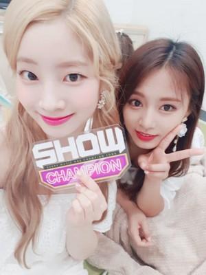 "♥ TWICE ""DTNA"" 1st WIN 20180718 ipakita Champion ♥"
