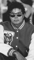 21177B3B 0F2F 4376 A7F7 0800FB67DC39 - michael-jackson photo