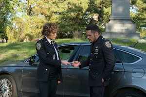 3x01 - Good Police - Harlee and
