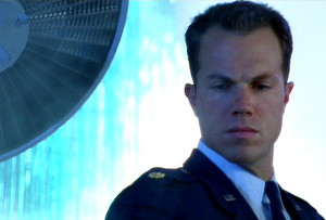 Adam Baldwin as Major Mitchell in Independence 日