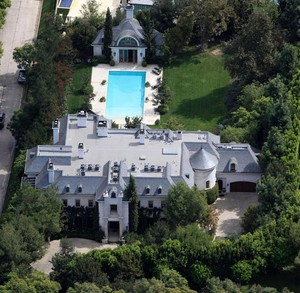 Aerial View Of Micheal Jackson's Old Housr