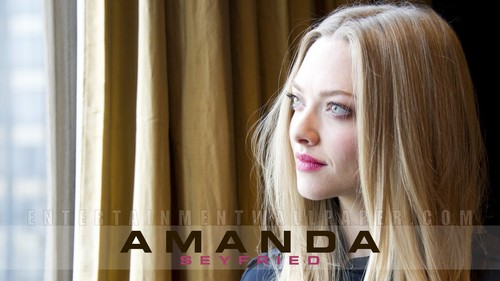 Amanda Seyfried kertas dinding called Amanda Seyfried