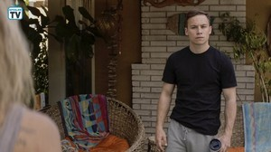 """Animal Kingdom """"Broke From The Box"""" (3x06) promotional picture"""
