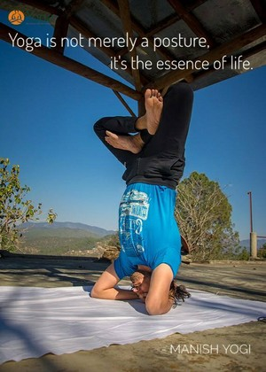 Best 500 Hours Yoga Teacher Training Program in India por Manish Yogi