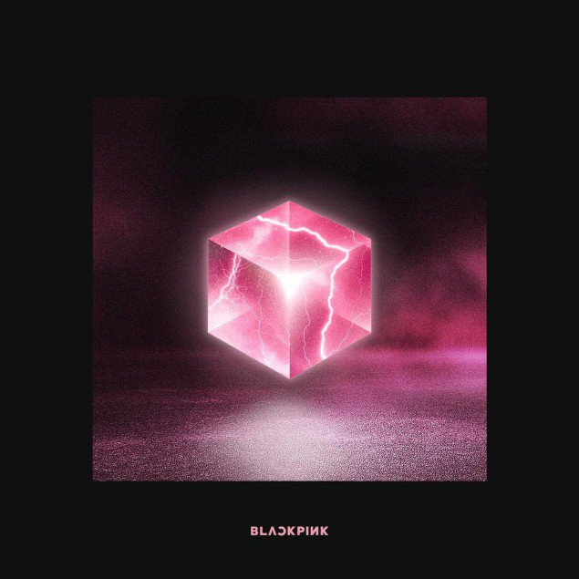 Black 粉, 粉色 reveal two versions of 'Square Up' album covers