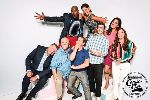 Brooklyn Nine-Nine fond d'écran called Brooklyn Nine-Nine Cast at San Diego Comic Con 2018 - EW Portrait