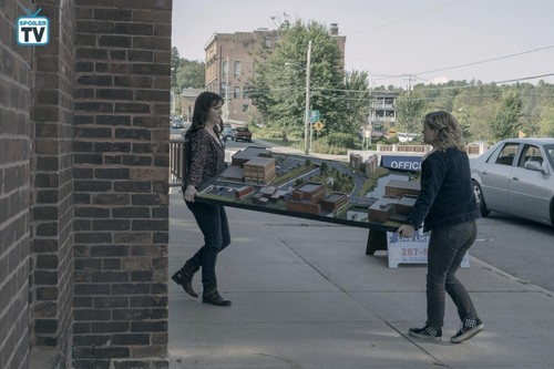"замок Rock (Hulu) Обои titled замок Rock ""Habeas Corpus"" (1x02) promotional picture"