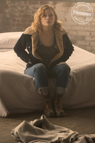 "schloss Rock (Hulu) Hintergrund entitled schloss Rock ""Severance"" (1x01) promotional picture"