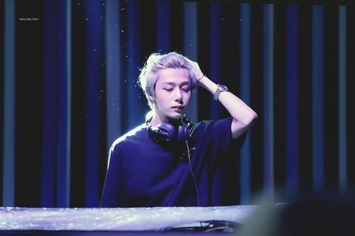 Monsta X দেওয়ালপত্র titled DJ H.ONE