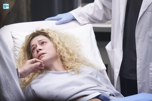 Helena in 5x09 'One Fettered Slave'