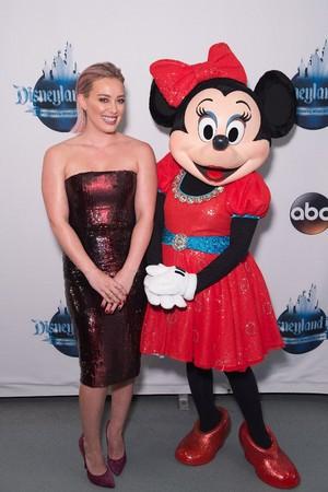 Hillary Duff And Minnie souris