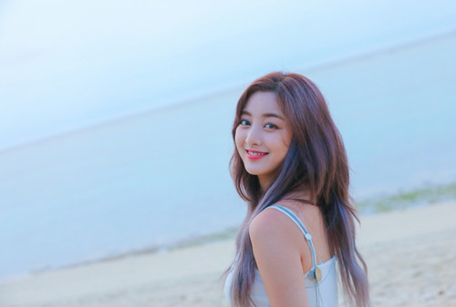 Twice (JYP Ent) wolpeyper titled Jihyo 'Dance the Night Away' behind