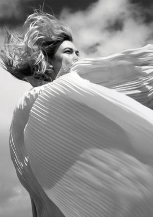 Karlie Kloss for Porter Magazine [Summer 2018]