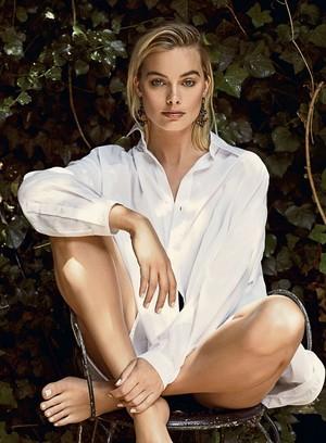 Margot Robbie - ES Magazine Photoshoot - 2018