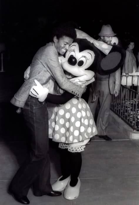 Michael And Minnie ماؤس
