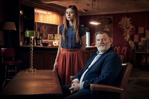 Mr. Mercedes Season 2 Official Picture - 호랑 가시 나무, 홀리 Gibney and Bill Hodges