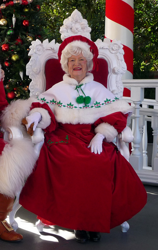 Mrs Claus Walt Disney Theme Parks Photo 41435487 Fanpop