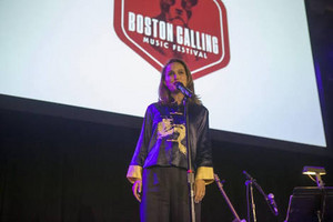 Natalie Portman at Boston Calling Музыка Fest