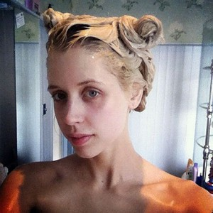 Peaches Honeyblossom Geldof-Cohen (13 March 1989 – 6 or 7 April 2014)